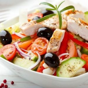 salata-piept-pui-legume
